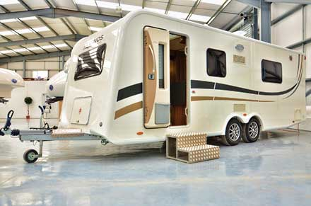 Enos twin axle tourer